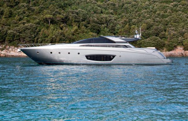 Noleggio yacht lago di garda feste in barca lago di garda for Noleggio di cabine per lago