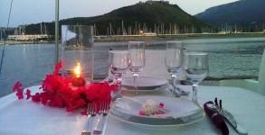cena-in-barca-lago-di-garda