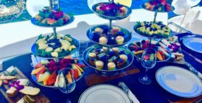 aperitivo- in-barca-lago-di-garda