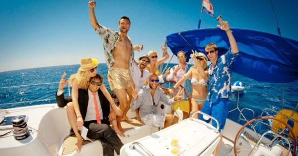 Festa di compleanno in barca a sorpresa lago d'Iseo