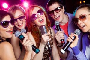 Festa in barca con karaoke lago di Garda