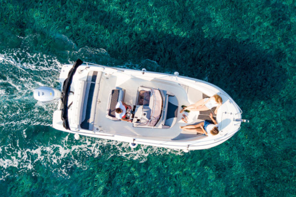 Barche con conducente lago di Garda e siete in ottime mani