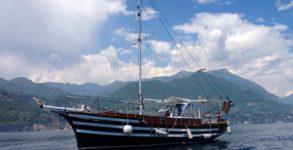 Noleggio Motoveliero lago di Garda