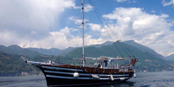 Noleggio Motoveliero Eolo lago di Garda